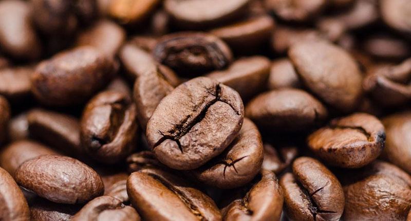 Como esfoliar com café?